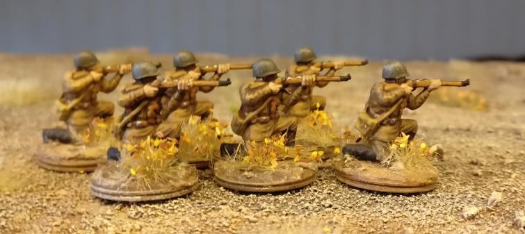 Die knieenden Schützen beim ersten Manöver.