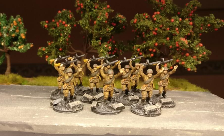 Die 15 Figuren aus dem Esci Set 203 Russian Soldiers haben fertig: die ersten 10.