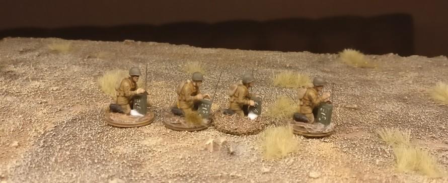 Die Ex-Bedienmannschaften der 45mm-Pak von PSC - jetzt als fertig ausgebildete Funker in der hochwohllöblichen Roten Sturmi Army