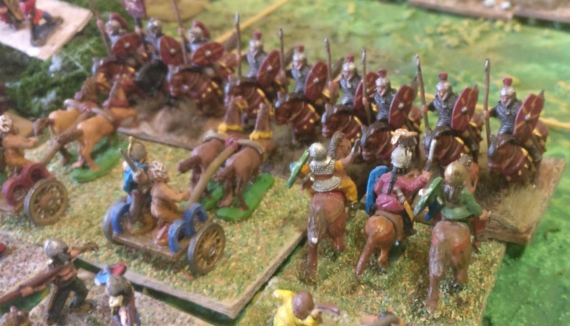 Das erste Treffen der gallischen Streitwägen mit den Reitern der Römer.