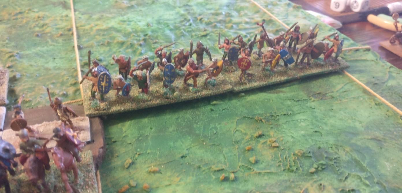 Die Galater an der Flanke stehen noch etwas zurück, werden aber in Kürze eingreifen.