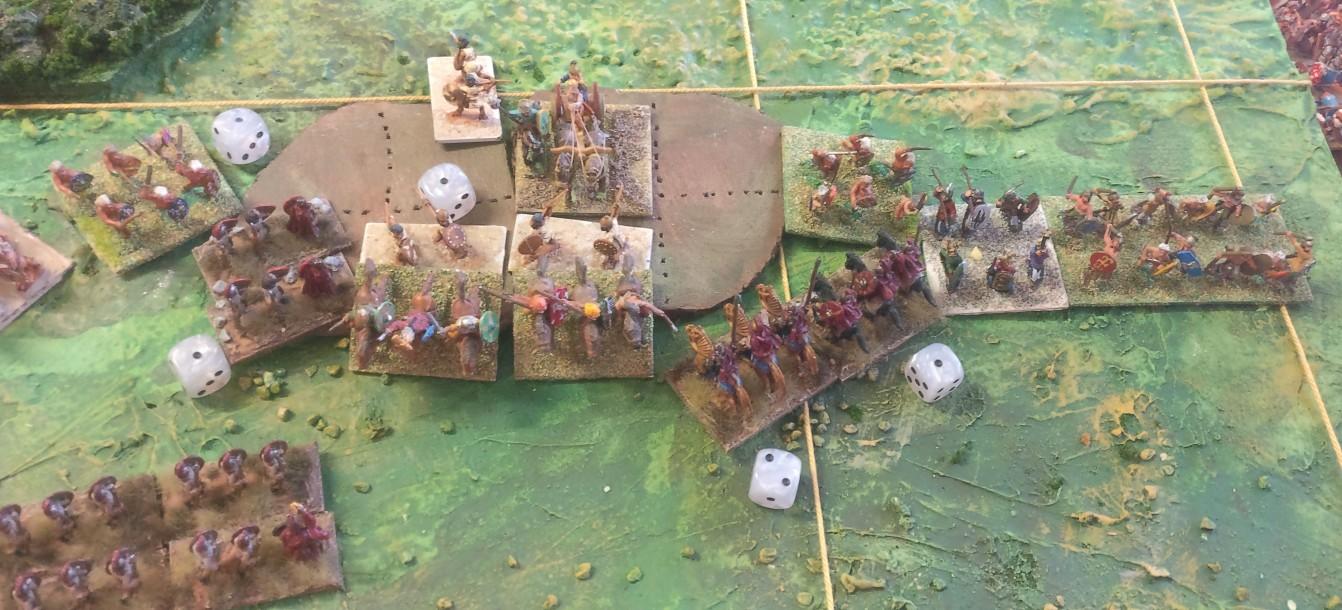 Einen Streitwagen hat man vernichtet, aber die Übermacht der Galater setzt sich nun durch.
