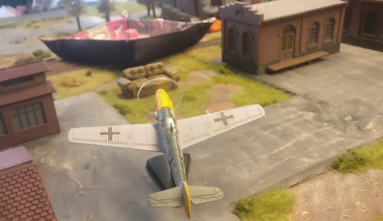 Die Stuka (die Me 109 ist nur Platzhalter) im Anflug...