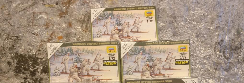 Von den Zvezda 6199 Soviet Ski Troops konnte ich drei Schachteln ergattern.