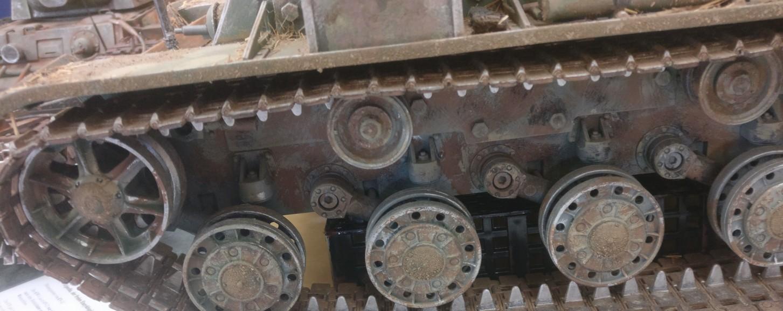 Kampfpanzer KW-2 der Roten Armee. Weathering und Verwitterung des Modells. Auf der 30. Jubiläum Modellbauausstellung des PMC Main-Kinzig in Gelnhausen-Meerholz am 5. Oktober 2019