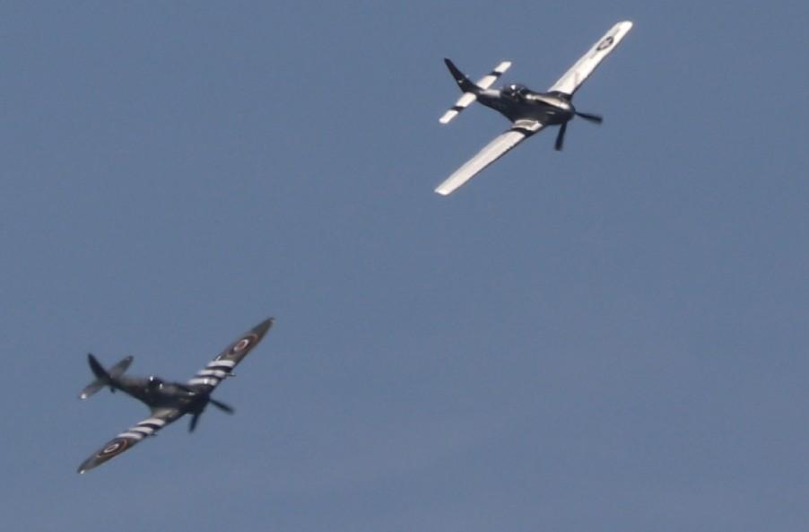 Auf der Sanicole Airshow 2019: Eine P-51 Mustand und eine Spitfire