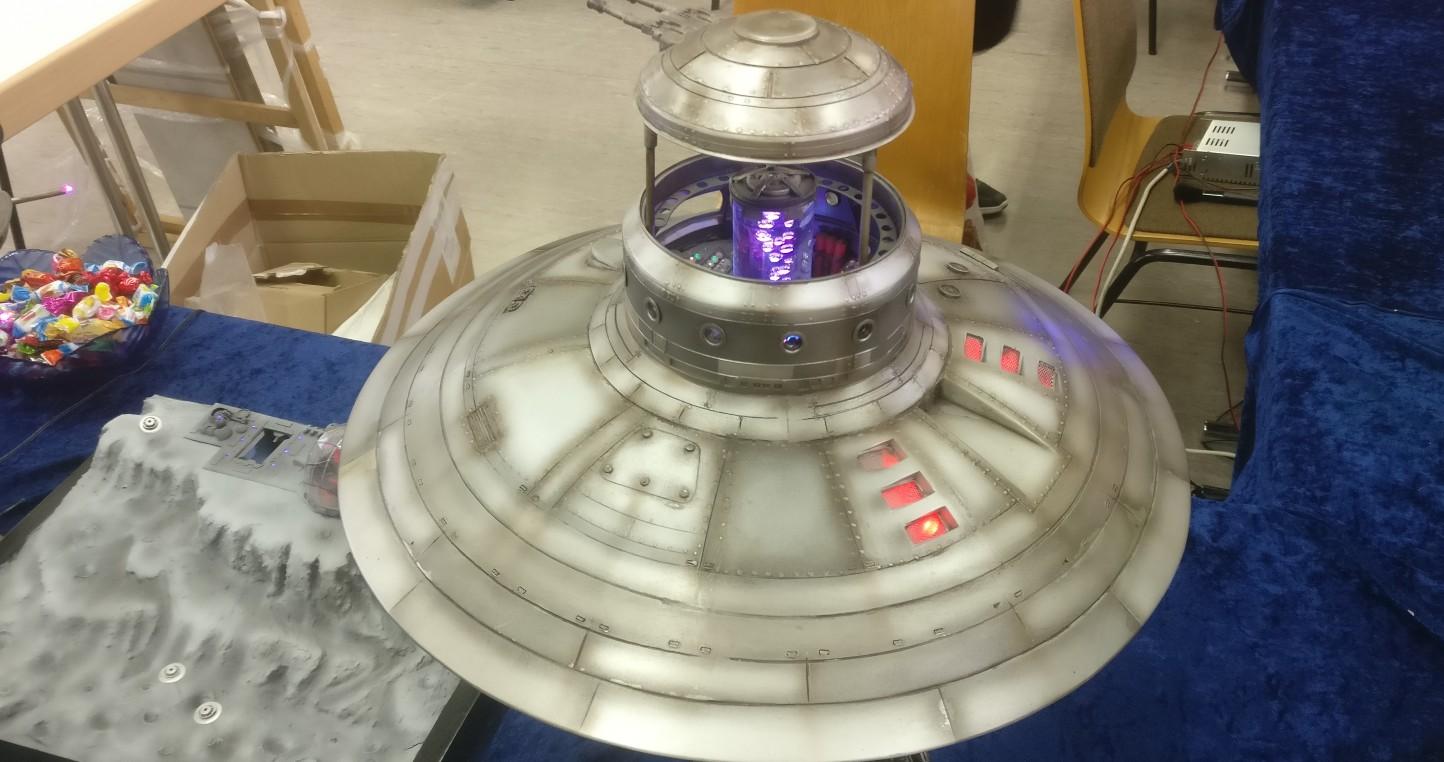 """""""UFO Saucer"""" von Wanessa Soniadu auf der 30. Jubiläum Modellbauausstellung des PMC Main-Kinzig in Gelnhausen-Meerholz am 5. Oktober 2019"""