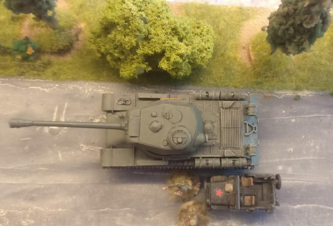 Ein fertiger IS-2 Heavy Tank von oben.