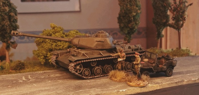 IS-2 Heavy Tank: im Lager hinten rechts entdeckt
