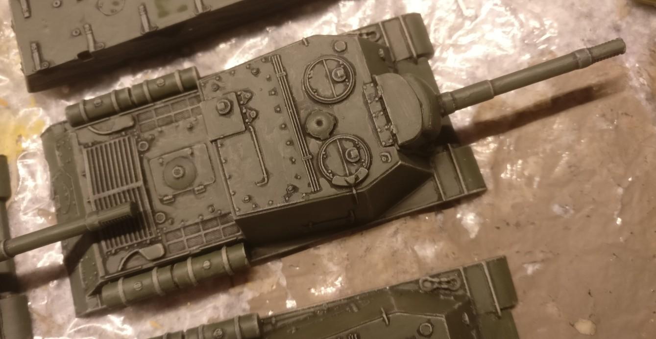 Nahaufnahme: der Aufbau eines ISU-152 nach dem Auftrag der Bronzegrün.