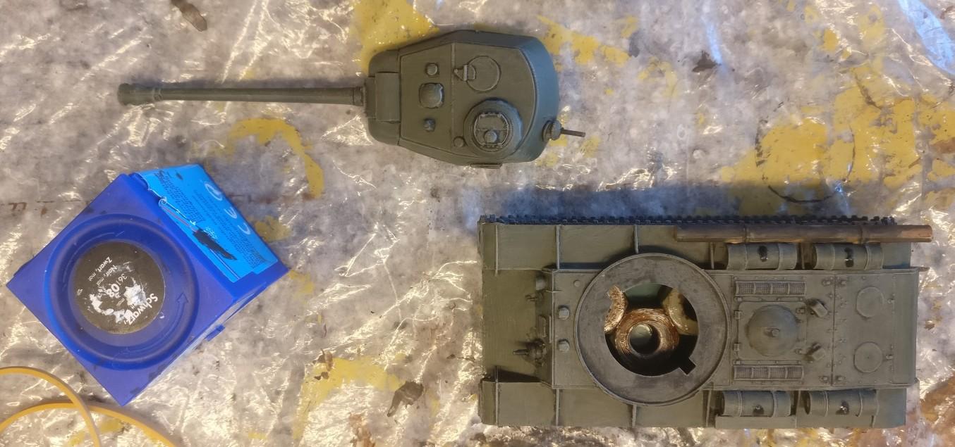 Der PST 72009 KV-122 nach dem Auftrag der Farbe Bronzegrün.
