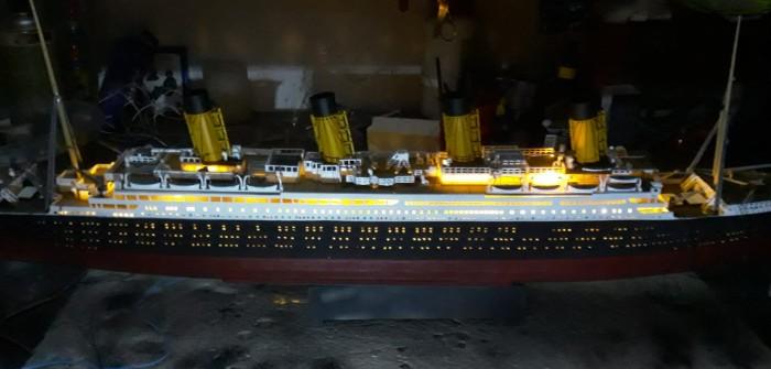 """Revell Schiffsbausatz """"100 Jahre Titanic"""": ziviler Schiffsbau auf der Nilkheimer Werft"""