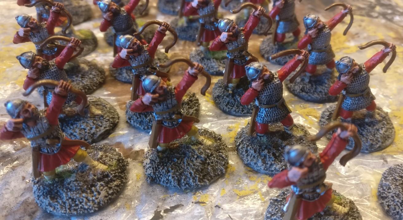 Hier die fertig bemalten Bases der Byzantiner Bogenschützen.