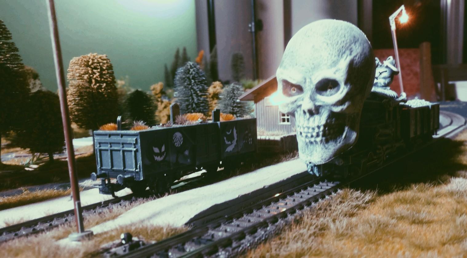 Noch ahnt der düstere Halloween-Zug nichts von der Begegnung mit dem Schattenheer, den Toten vom Dunharg, den Dwimorgeistern...
