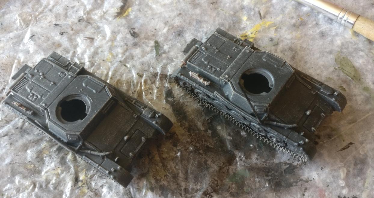 """Die beiden Panzer I Ausf. B nach dem Trockenbürsten mit """"Beige"""""""