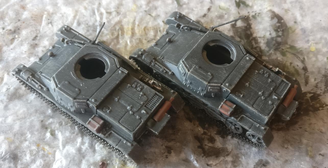 Die Auspuffanlage und einige Details an Deck der beiden Panzer I Ausf. B wurden behandelt.
