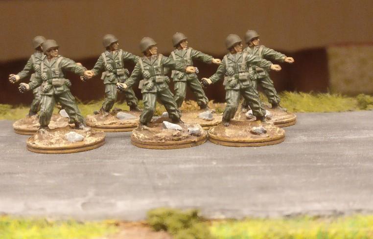 Done! Die erste der drei Gruppe mit grünen Uniformen.