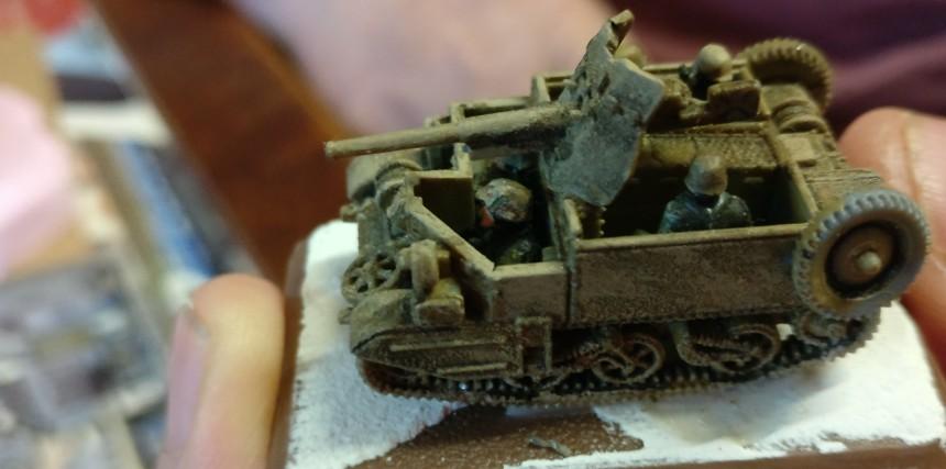 Ein Schmankerl: ein Bren Carrier mit montierter 37mm-Pak.