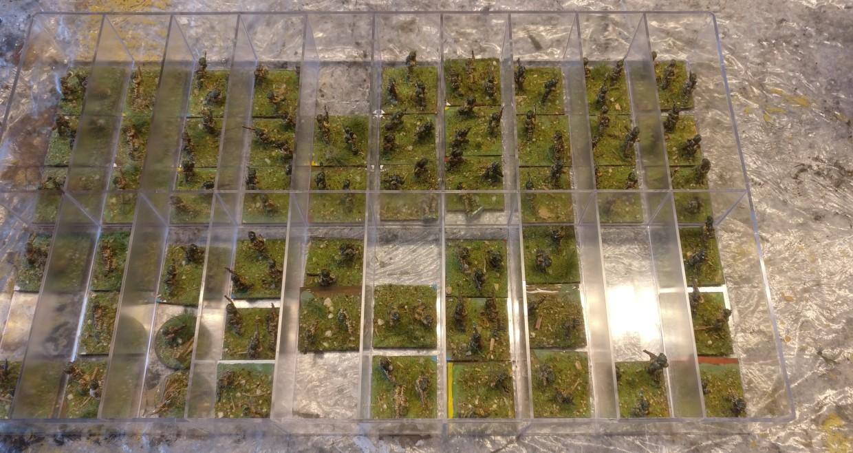 Hier die CONRAD-Kaserne mit den 15mm-PBI-Briten im Ausgangszustand.