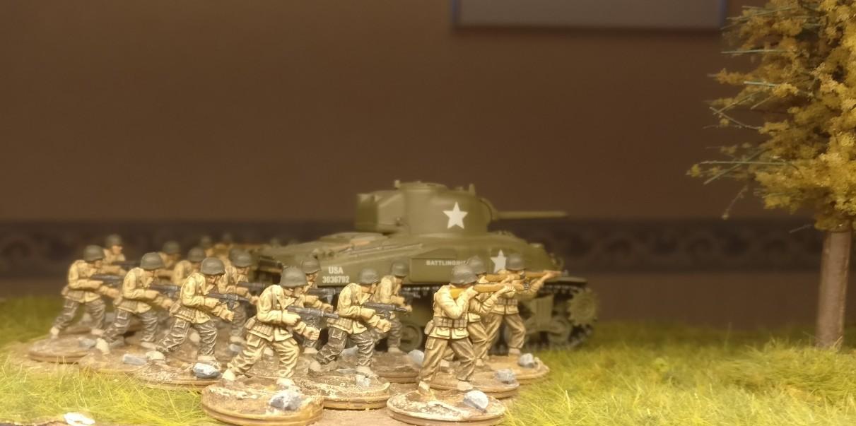 """Die Rifles und Submachine Gun Schützen aus dem Matchbox Set """"US Infantry"""" im ersten Einsatz."""