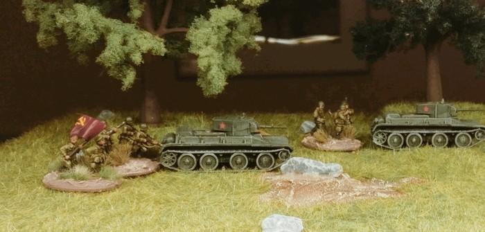 """Die drei """"Zvezda 6129 BT-5 Light Tank"""""""