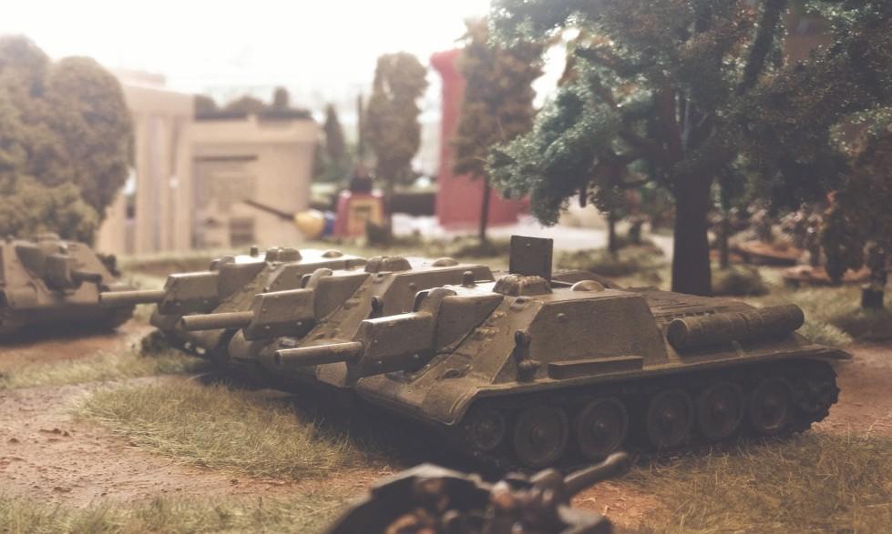 Die SU-122 der 3. Batterie des 1437. Selbstfahrartillerie-Regiment