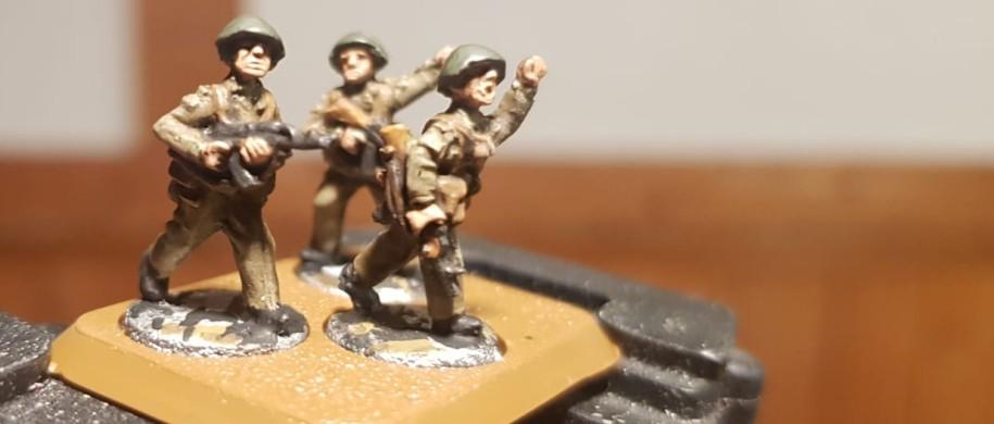 """""""Hallo Erich!"""" hört man ih  rufen. Die 9. Panzerdivision """"Heinz Hoffmann"""" mit dem Mot.-Schützenregiment 9 """"Rudolf Renner"""" wird von Dominic für Team Yankee aufgestellt."""