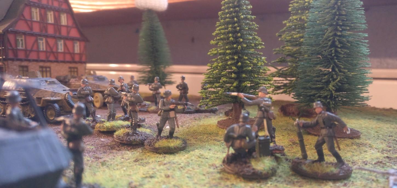 Die deutsche Truppe in Oosterbeek verfügt auch über 80mm Granatwerfer 34. Die nahenden Luftlandetruppen des 3rd Parachute Battalion sollen unter Feuer genommen werden.  Die Armeelisten stammen aus dem Buch Battlegroup Market Garden.