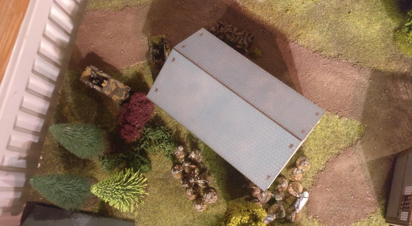 Auch links bei der Umfassung des Orts Oosterbeek kommt es im Battlegroup-Szenario Market Garden zu Gefechten zwischen den deutschen Verteidigern und dem 3rd Parachute Battalion.