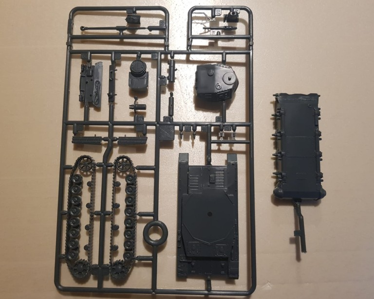 Ein Gussast aus dem ITALERI 7514 2er-Set Sd.Kfz.161 Pz.Kpfw. IV Ausf. F1/F2.