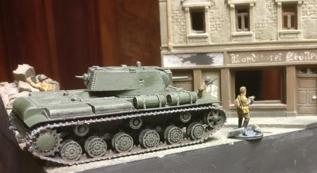 Erste Fotos vom Einsatz des PST 72015 KV-8 Heavy Flamethrower Tank im südlichen Shturmigrad.