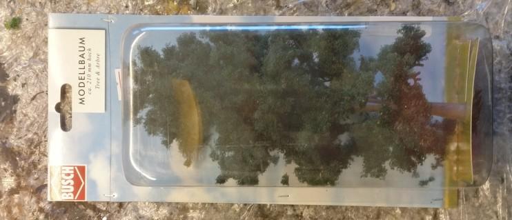 """Der andere """"Busch Modellbaum 210mm""""."""