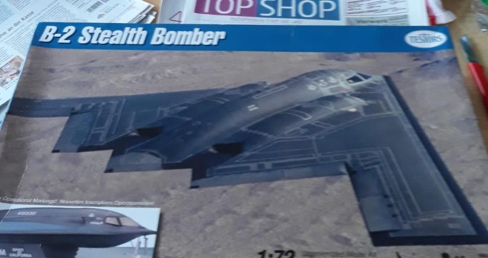 Der Testors B-2 Bomber im Maßstab 1/72 ist Josefs aktuelles Projekt.