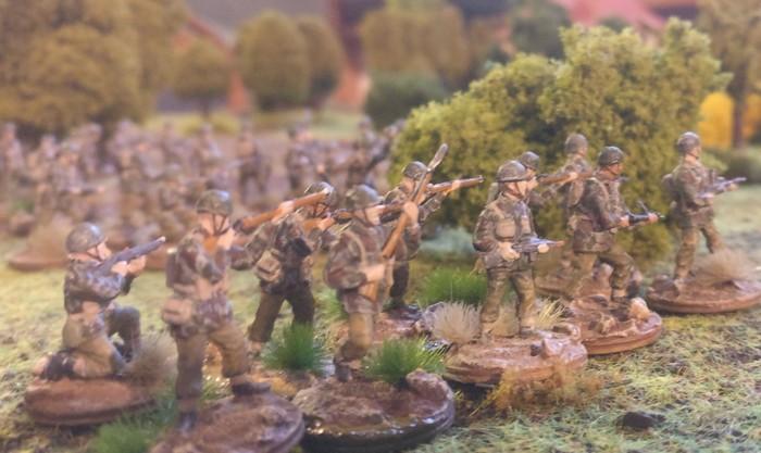 Das zweite Platoon der british Paratroopers hat sich gesammelt.