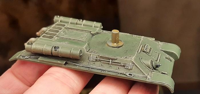 Endergebnis nach Anbringen aller Details an einem T-34/76 von Italeri.