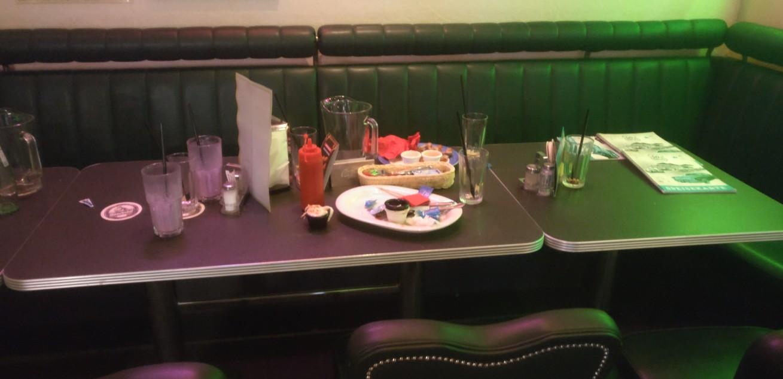 Das Schlachtfeld im Fifties' Diner in Gremsdorf wird verlassen...