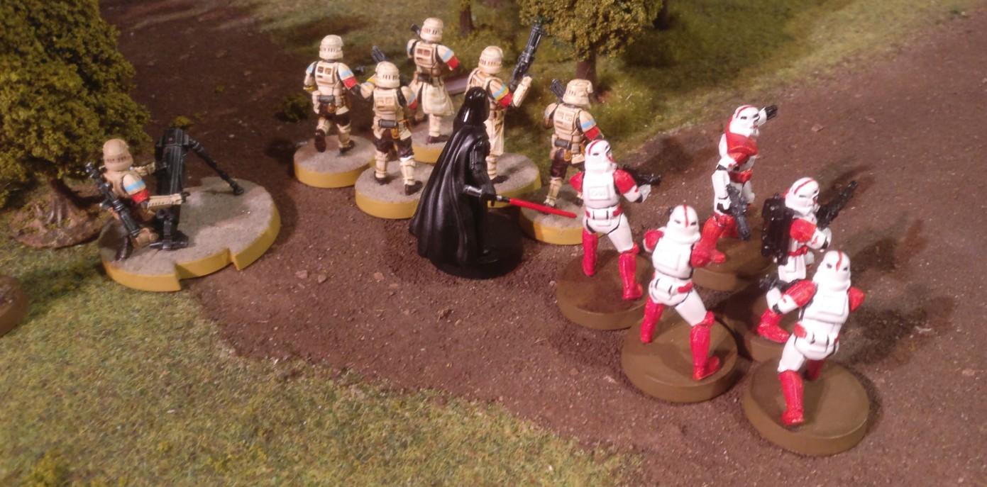 Darth Vader mit dem Laserschwert ist unschwer zu erkennen. Mit ihm im Team macht die Star Wars Legion Battle schon Spaß. Die Sturmtruppen haben auch einen DLT-19-Sturmtruppler und einen DF-98-Mörsertrupp dabei. Letzterer ist natürlich was für den Sturmi. Die Strandtruppen haben einen T-218-Truppler im Team. Na, Bossk ist eine gesetzte Größe bei Star Wars Legion. Den werdet ihr kennen.