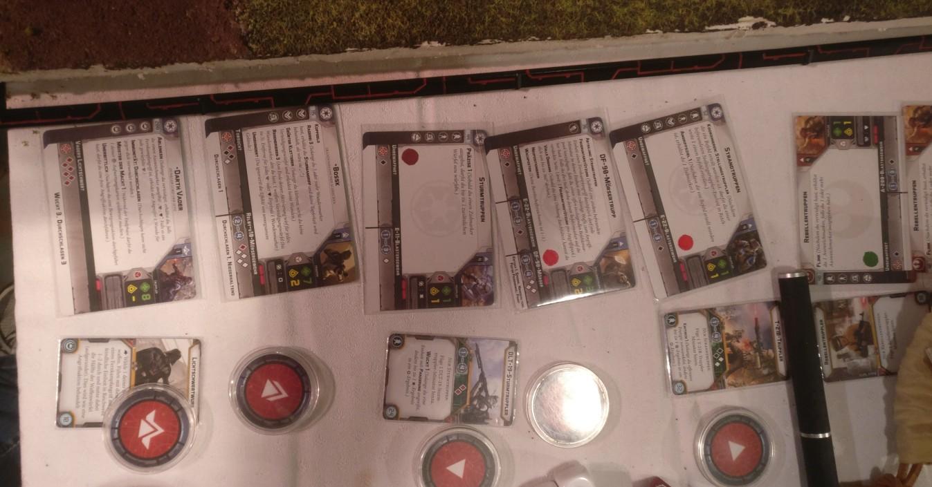 Die Star Wars Legion Charakterkarten und Ausrüstungskarten vom Sturmi