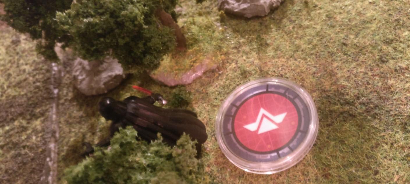 Darth Vader spurtet in den Wald. Hinter den Bäumen sieht er ein Rudel Rebellentruppen.
