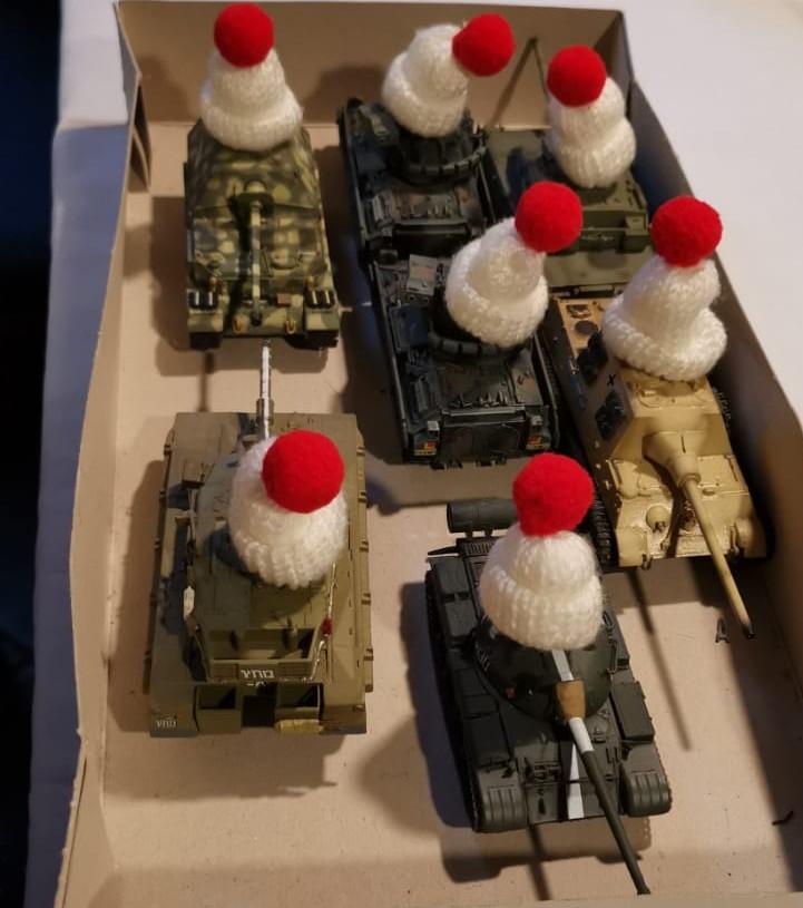 Florians Panzertruppe wurde den Witterungsbedingungen entsprechend  eingekleidet.