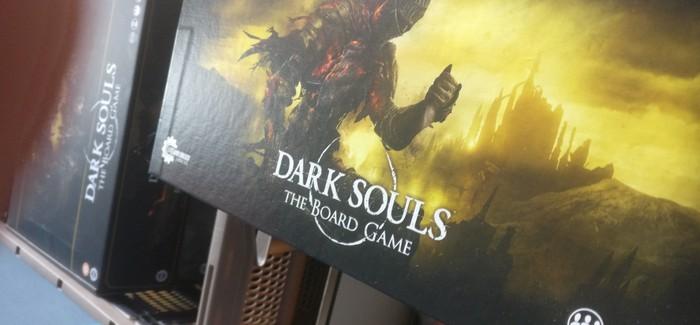 Kleiner Blick aufs Cover der Spieleschachtel. Wirkt schon einladend, oder?
