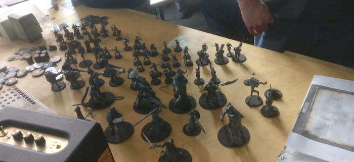 Eine Horde Spielfiguren für Dark Souls - The Board Game von Steamforged Games Ltd.
