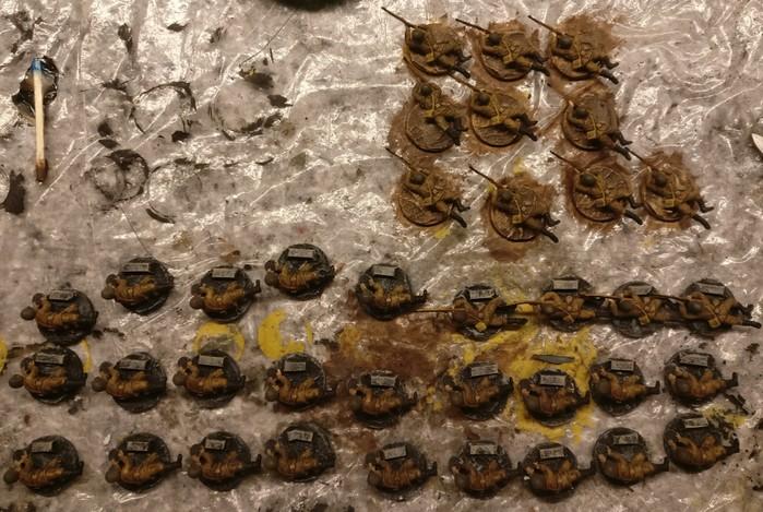Auch die Ladeschützen wurden auf ihren Basen festgeklebt.