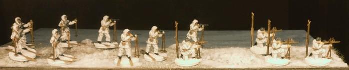 Fotoshooting im Schnee! Die Siberian Riflemen von Revell 02516 im Einsatz.