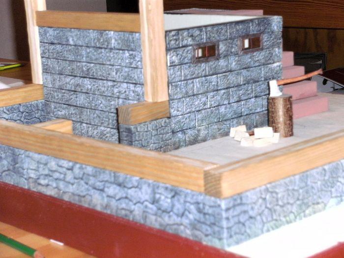 Blick auf das Holzbalkengerippe von der Seite auf Honischers Freebooters Fate Platte