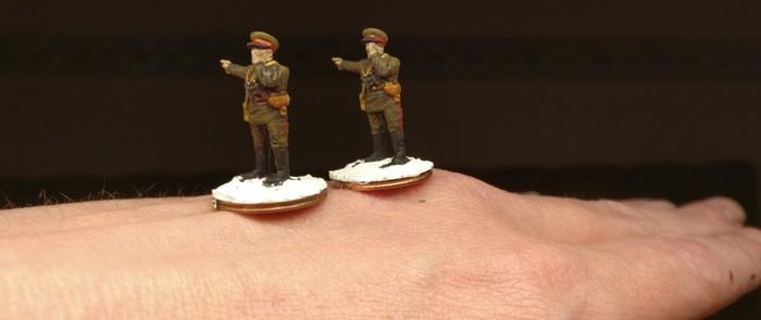Die beiden Offiziere nach dem Basieren. Das Kommandieren klappt schon ganz gut.