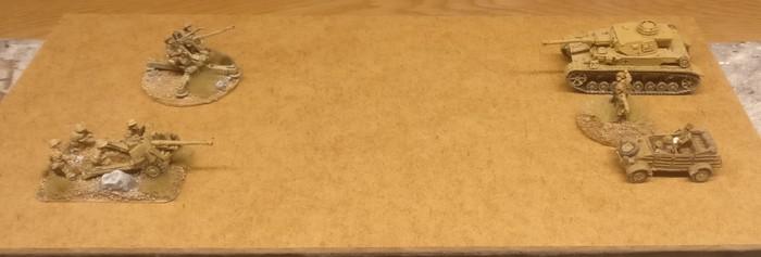 Ein Doppelmodul 15 x 30cm, wie es bei Sarissa mit 10 x 20cm etwas kleiner sein würde. Ich habe mal ein paar 15mm Spielelemente dazugestellt.