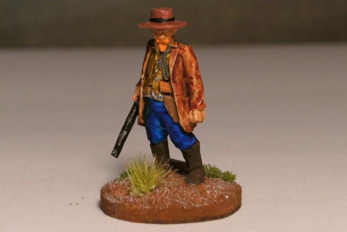 """Ein guter Lawman ist ein Lawman mit Winchester. Die No. 3 hat sich eine solche zugelegt und erblickt man den Ledermantel, erklingt im Ohr die Melodie von """"Spiel mir das Lied vom Tod"""""""