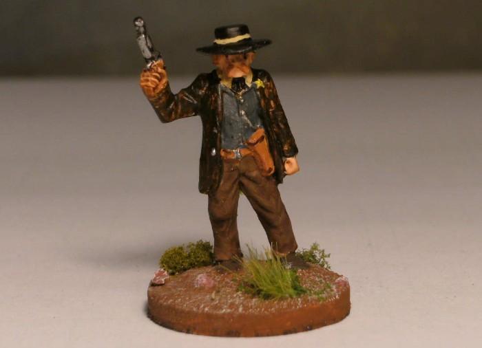 Number five... Nicht Mambo, aber Rambo! Das Holster an der Hüfte verbannt er alles Böse in Sicht aus Honisch City. Dead Man's Hand könnte ohne Number Five nicht bestehen.