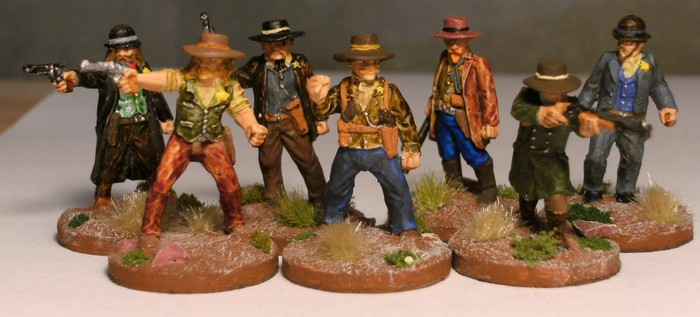 Sheriff Charlton hat sechs Deputies eingestellt. Dem Bösen keine Chance und Frieden für Honisch City! So lautet des Honischers Motto für Dead Man's Hand.